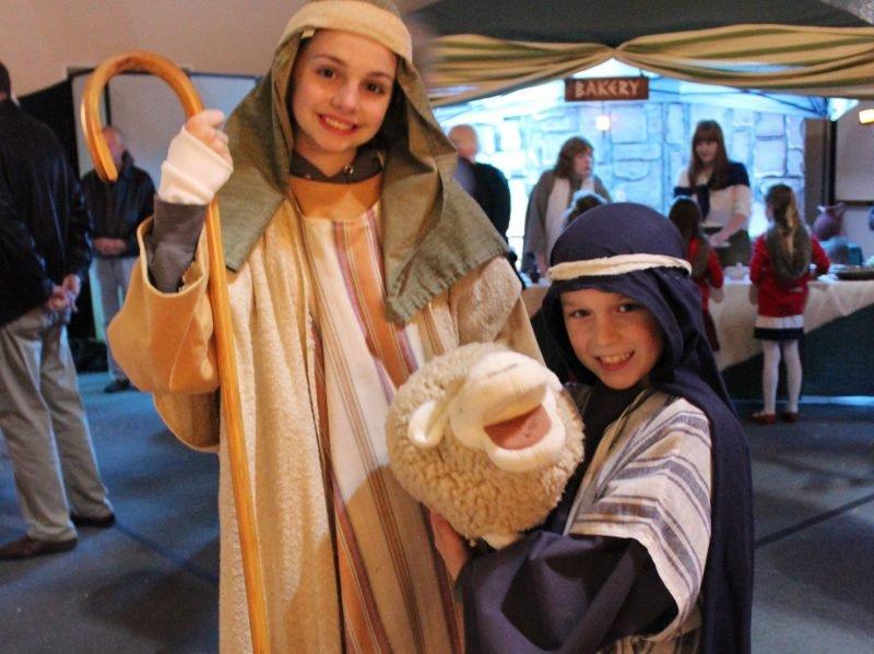 Kids dressed as shepards.