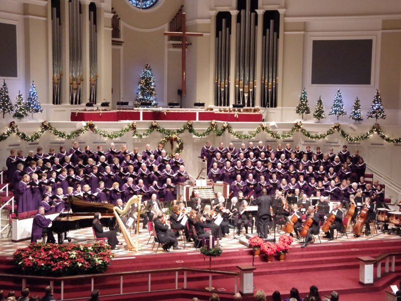 Annual concert at Christmas with choir and orchestra.
