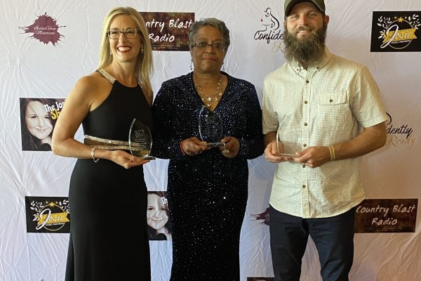 Photo of Rose, Shipley, and Miller at the Josie Music Awards