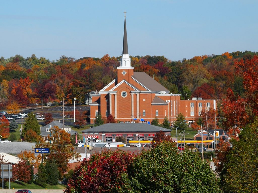 Photo of Manchester UMC's building in the fall.